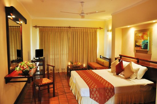 The Palms Hotel: Deluxe room (only selected rooms have flat screen TV)