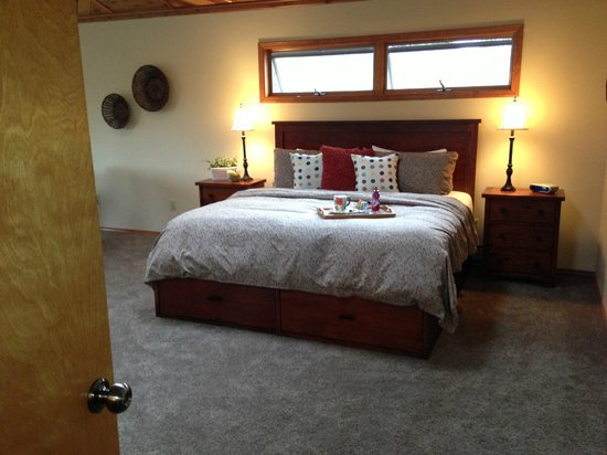 Swan Hill Bed & Breakfast: New 35K Remodel - Come check it out!