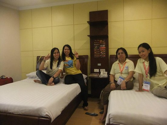 One Lourdes Dormitel: Inside the room