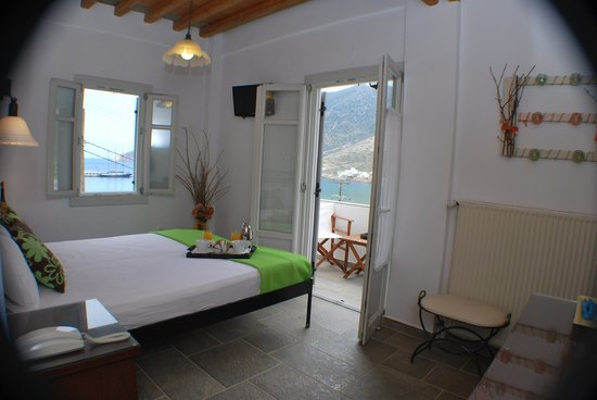 Myrto Hotel : Double bed room with sea view balcony