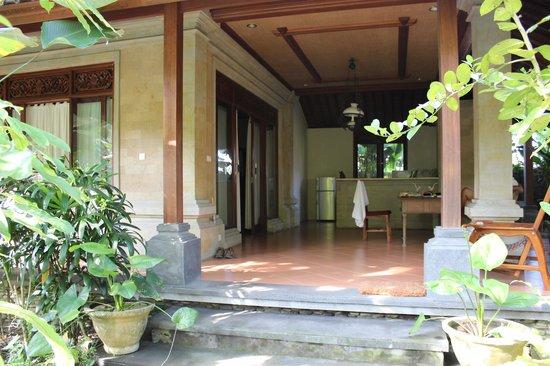 Villa Ibu : patio
