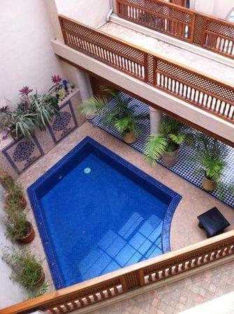 Riad Andalib : the basin