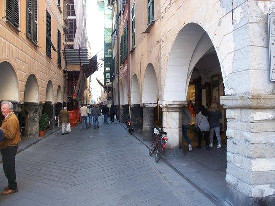 Centro Storico: via porticata