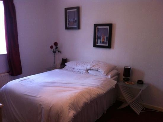 The Old Hall Inn: disappointing room- nothing like the photos on the website!