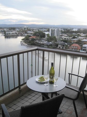 Vibe Hotel Gold Coast: The view from our balcony where we spent our evenings