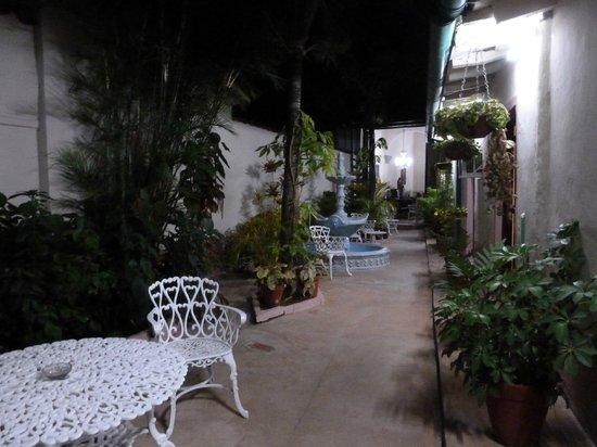 Casa Colonial Perez-Ramos: il patio fuori dalla camera