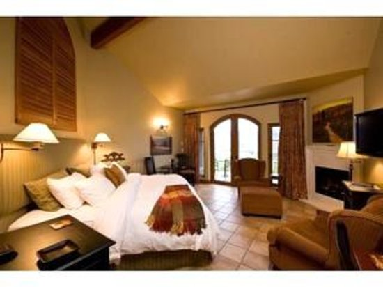 Hester Creek Estate Winery Villa Photo