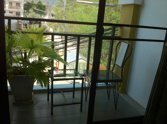 The Chambre Patong : balcony