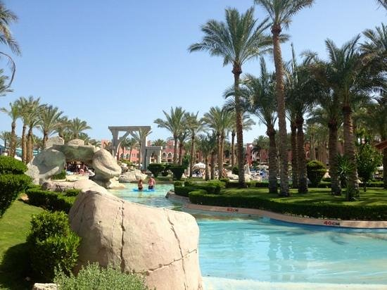 lti Tropicana Grand Azure : one of the many pools