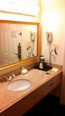 La Quinta Inn Ft. Lauderdale Tamarac East : Bathroom