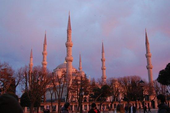 Sultanahmet District: moschea blu al tramonto