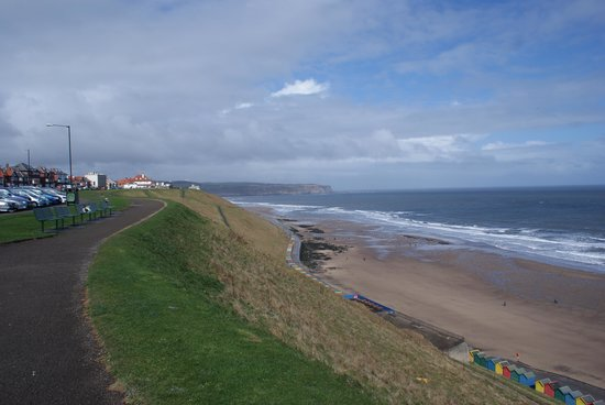 Whitehaven Guest House: Sea front close by