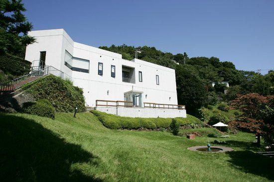 Koshiro Toda Ehon Museum