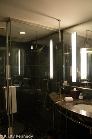 Tempus Hotel Taichung: Bathroom