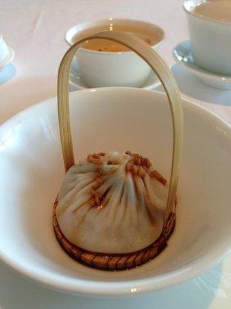 Jade Dragon: An awesome handmade xiao long bao