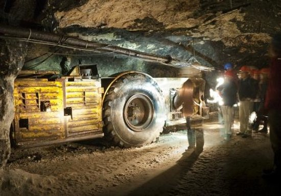 Visite guidée des mines d'asphalte