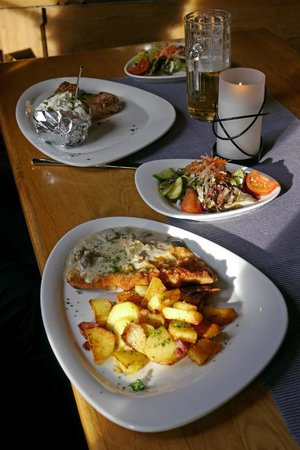 Paulaner Wirsthaus: The food was well presented and appetizing
