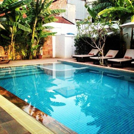 Apsara Centrepole Hotel: Pool
