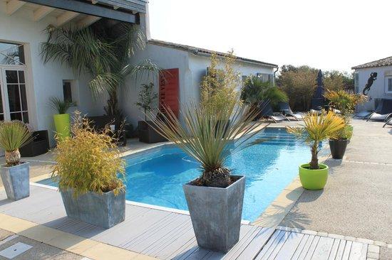 L'ile Sous Le Vent - L'Hotel - La Table : PISCINE