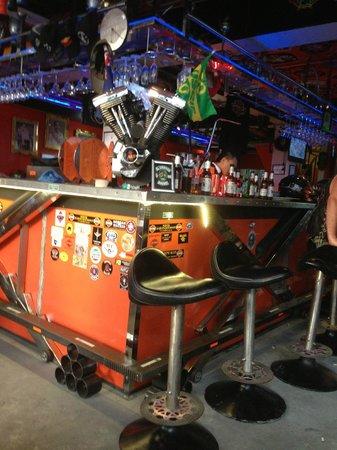 Nicky's Handlebar Harley Tour : bar
