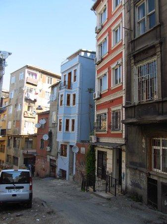 Istanbul Apartments Istiklal: Appartement situé dans le bâtiment rose!