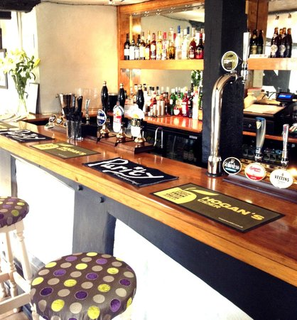 The Broom Tavern : Bar