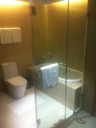 Acacia Hotel Manila: Junior Suite Room #612