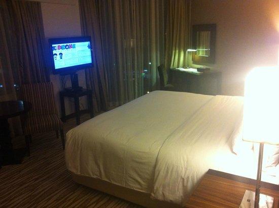 Acacia Hotel Manila: Junior Suite Room #811