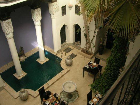 Riad Magie D'Orient : Patio avec bassin