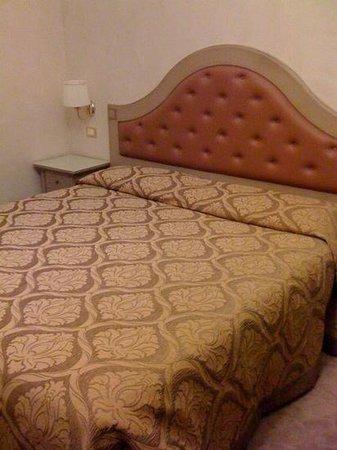 Hotel Dei Priori : stanza 205