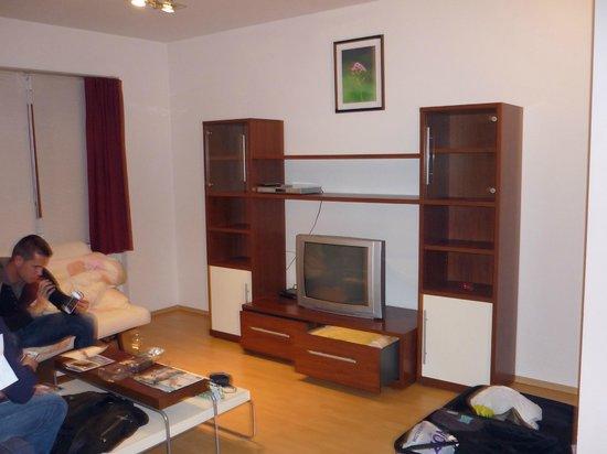 O Street Apartments: Television