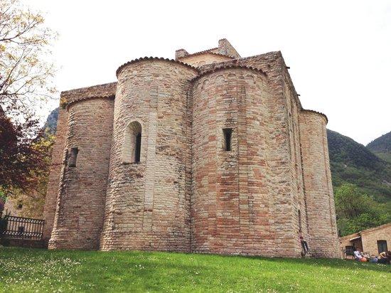 Abbazia di San Vittore delle Chiuse