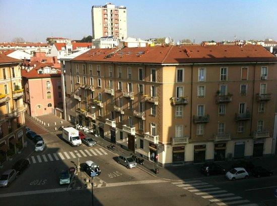 UNA Hotel Mediterraneo: vista camera al quinto piano