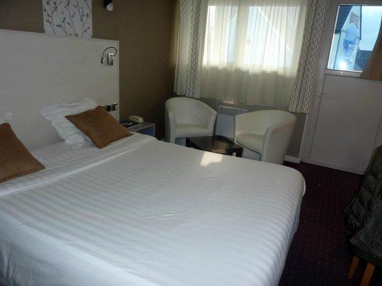 Motel Les Bleuets : chambre à l'étage