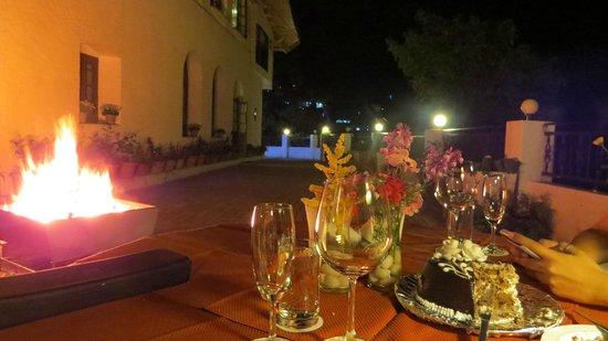 Ilbert Manor: Terrace