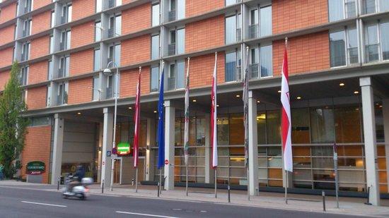 Courtyard Linz: Eingang