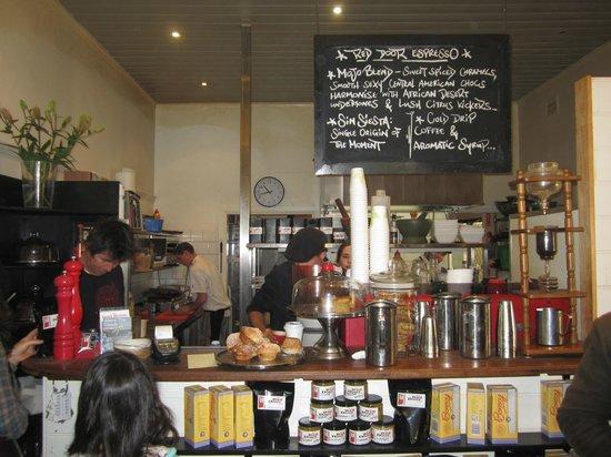 Red Door Cafe: Front counter