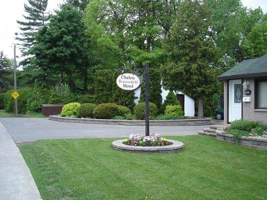 Beaconsfield Lodge Motel
