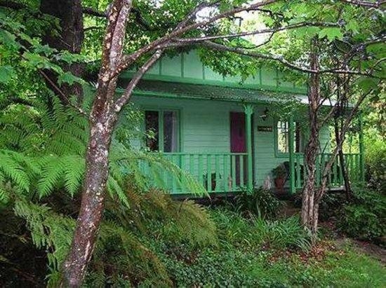 strawberry patch and lemon tree cottages cottage reviews. Black Bedroom Furniture Sets. Home Design Ideas