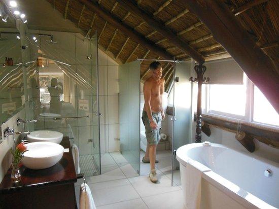 Highveld Splendour Boutique Hotel: bagno pulitissimo e confortevolissimo