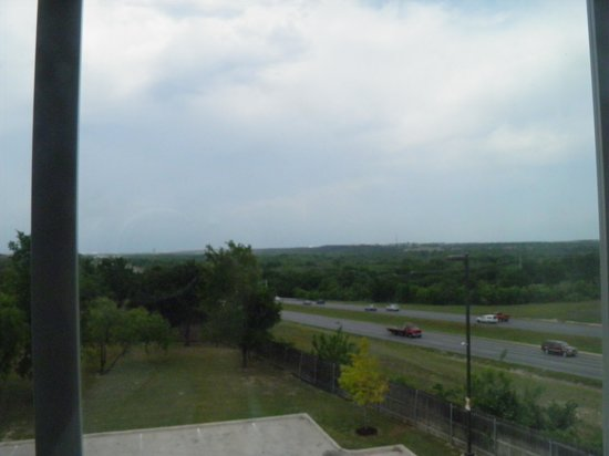 Super 8 Austin/Airport North: View of the hill country from our room
