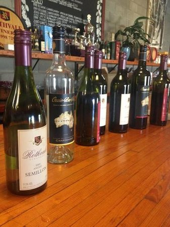 Vineyard Shuttle Service Daily Guided Winery Tours : Rothbury vineyards