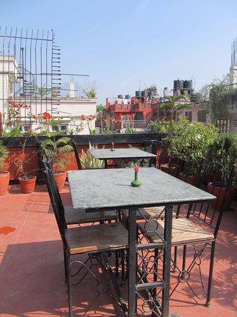 Hotel Kathmandu Terrace: Delightful rooftop restaurant area