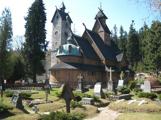 Wang Church: Cementerio de la Iglesia Wang. Karpacz, Polonia
