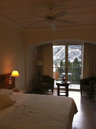 Columbia Beach Resort Pissouri: Interior View of the Room