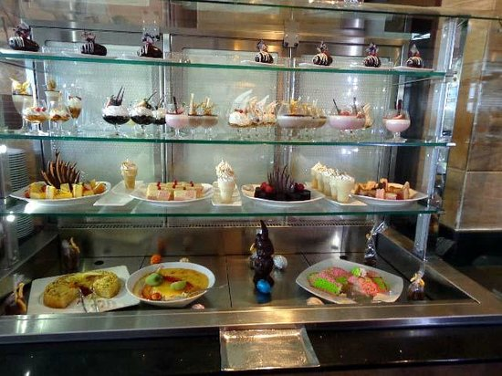 Danat Jebel Dhanna Resort: Buffet at Tides