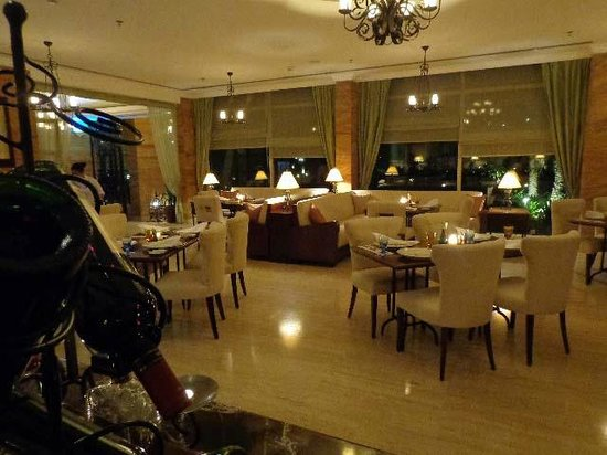 Danat Jebel Dhanna Resort : Zaitoun Restaurant