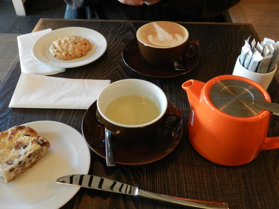 Cup: tea/coffee time