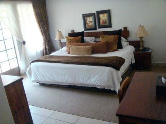 Afrique Boutique Hotel Oliver Tambo: Bed