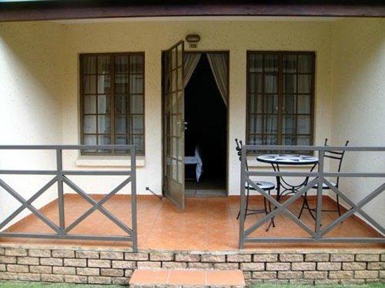 Afrique Boutique Hotel Oliver Tambo: Patio